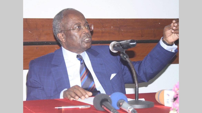 """Opposition/Législatives 2018 : Casimir Oye Mba : """"La CNR gagnerait à y participer"""""""