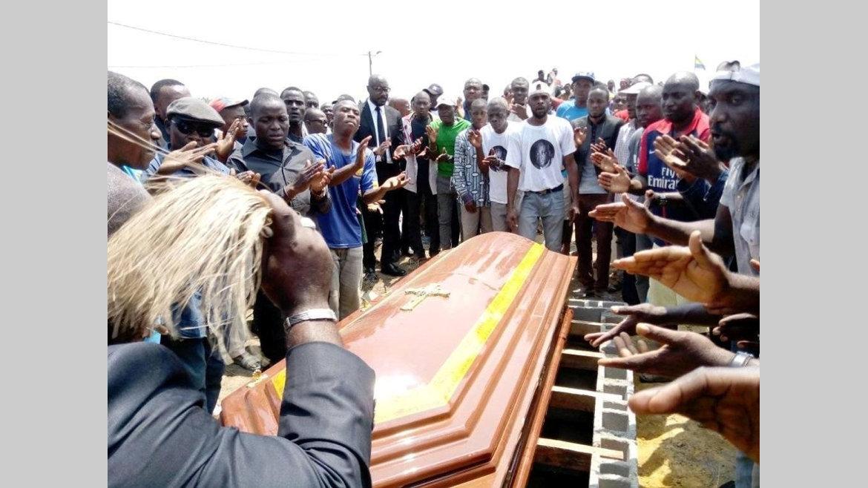 FAR : Léon Mbou Yembi inhumé sur la terre de ses ancêtres