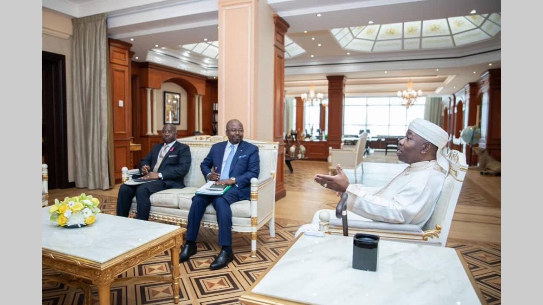 Activités présidentielles : La carte diplomatique du Gabon présentée au chef de l'Etat