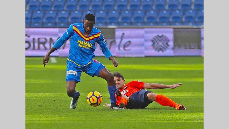 Football : Poko, ligament interne du genou droit touché