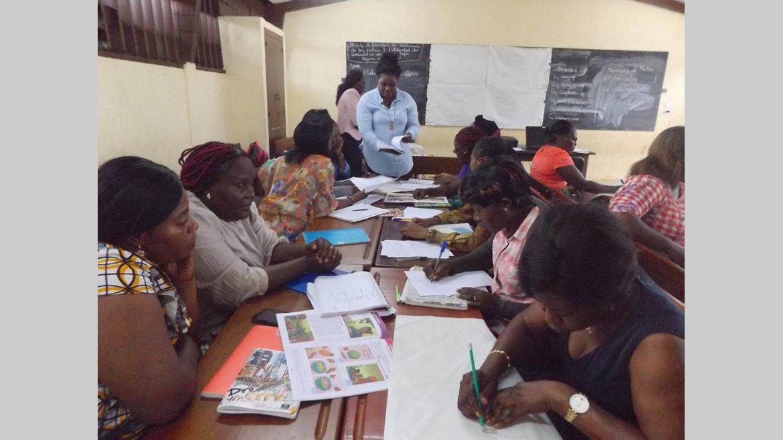 Education : Formation sur les curricula et les manuels Super