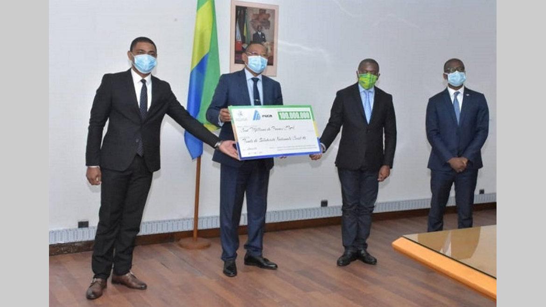 Covid-19 : 100 millions de francs remis au gouvernement