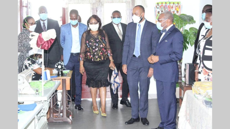 Covid-19 : Plus de 6 000 masques produits par les pensionnaires de la Maison de la femme du PDG