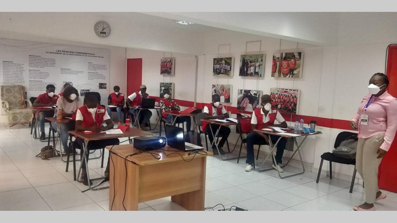 Croix-Rouge : ses volontaires au Covid-19 outillés