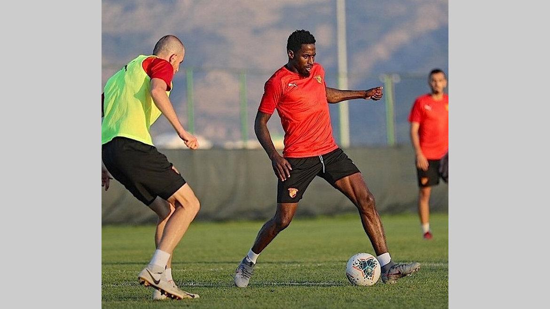 Football : Göztepe envisage de se séparer de Poko