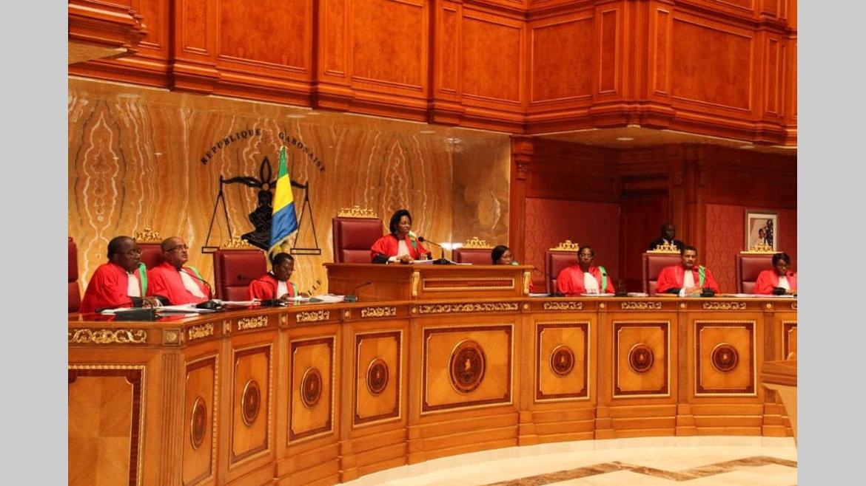 Loi : suppression de certains services publics déclarée inconstitutionnelle