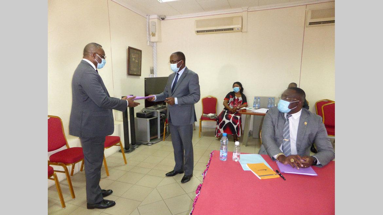 Enquête : le ministre de la Santé et le DG de la Cnamgs devant la CNLCEI