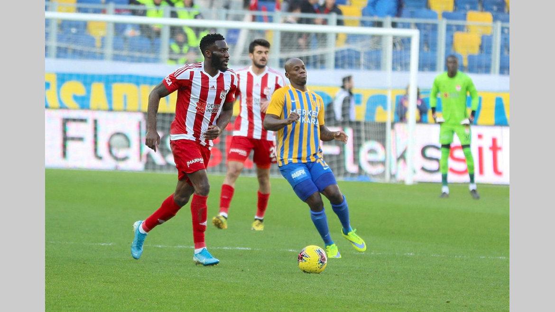 06H/Süper Lig : le titre définitivement hors de portée de Lemina et Appindangoye