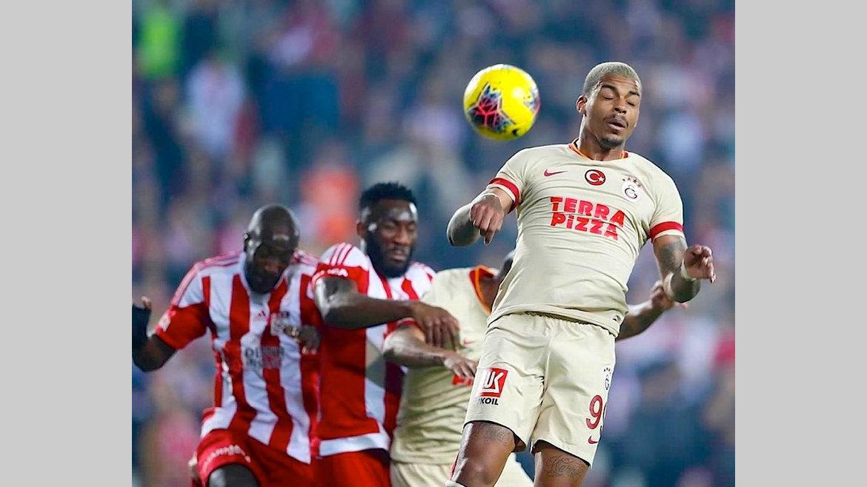 Football : Lemina quitte Galatasaray, Appindangoye aux tours qualificatifs pour la Ligue Europa