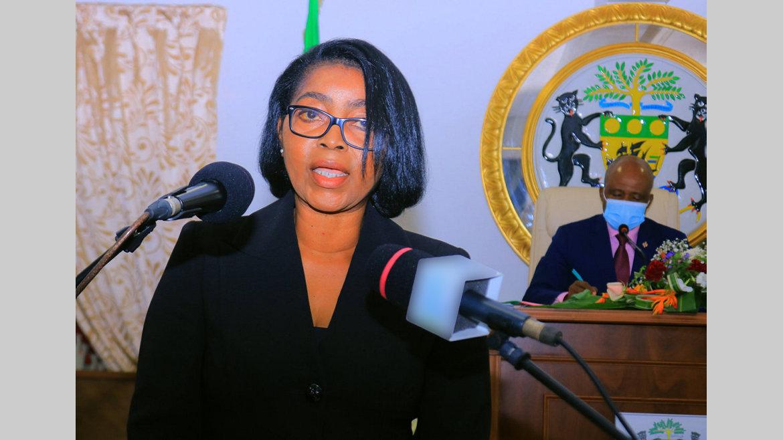 Parlement : Rose Christiane Ossouka Raponda obtient la confiance des députés