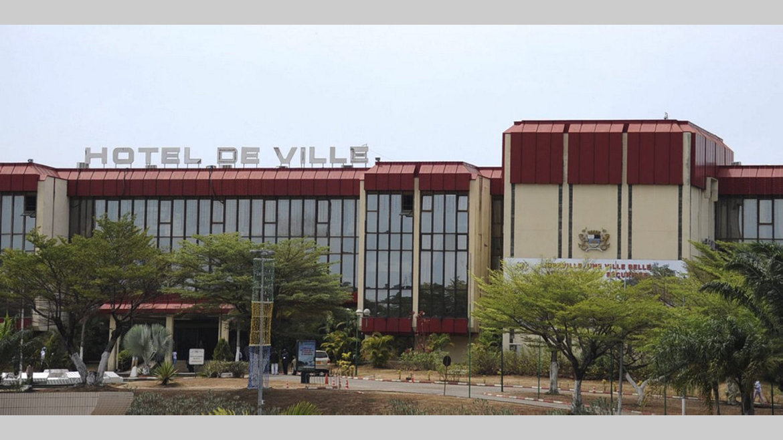 Hôtel de ville : Serge Williams Akassaga Okinda, maire central intérimaire