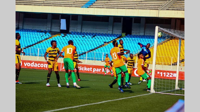 Football : début épouvantable pour Donald Nze en RDC