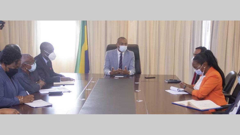 Médicament : Guy-Patrick Obiang exhorteà privilégier la production locale