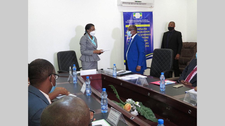 """Lutte contre la corruption : Nkea fait la promotion de son """"Guide pratique"""""""
