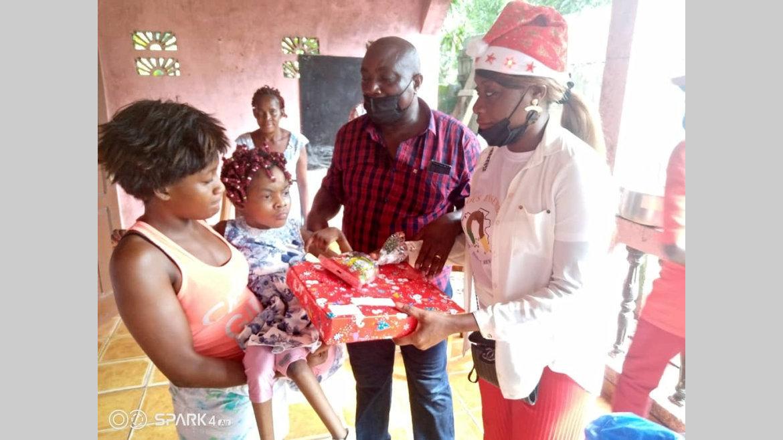Owendo : les cadeaux de Sylvia Bongo Ondimba aux enfants handicapés