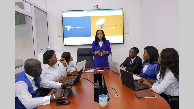 Technologies : Total Emploi RH offre une banque CV en ligne pour chercheurs d'emploi