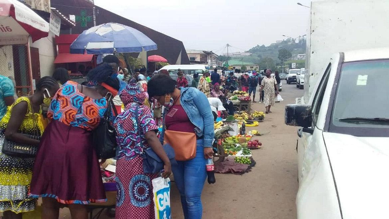 Franceville : les vendeuses de Potos tiennent bon