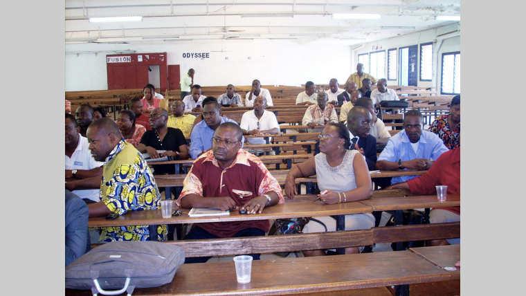UOB : Des enseignants préoccupés par d'autres affaires