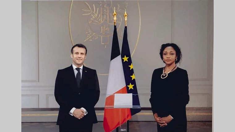 Diplomatie : Liliane Massala présente ses lettres de créance au président français