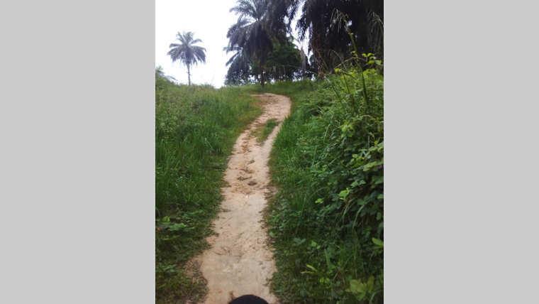 Moabi : veillée funèbre avec le corps d'un inconnu