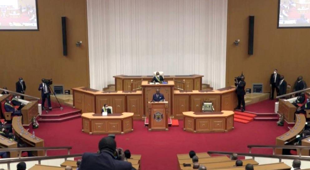 Gabon : Ali Bongo trace la boussole devant l'Assemblée nationale et le Sénat