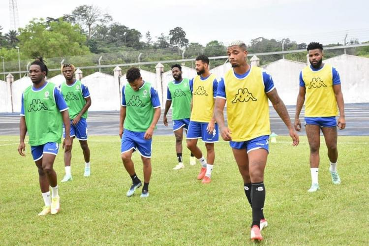 La Fifa demande aux deux équipes de jouer