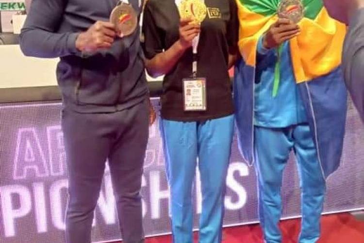 Les trois médaillés au terme de la compétition à Dakar au Sénégal
