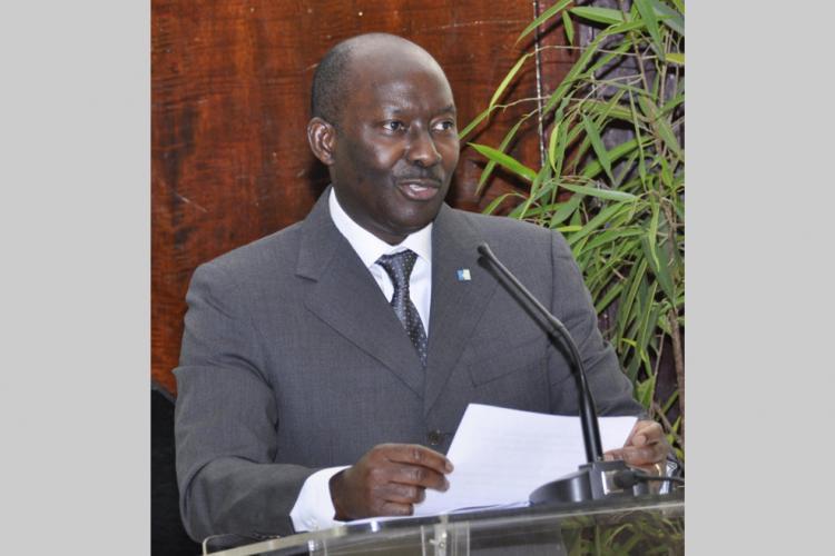 Marché financier sous-régional : Henri-Claude Oyima, PCA de la BVMAC