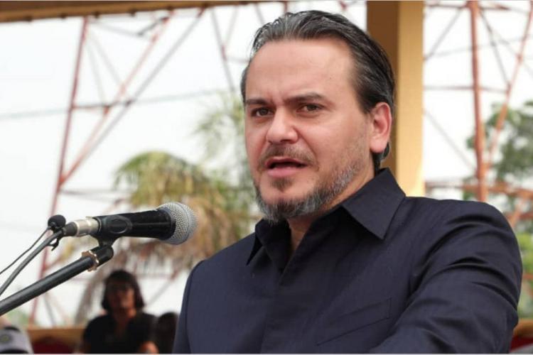 Tournée : Laccruche Alihanga porteur d'un message de pragmatisme