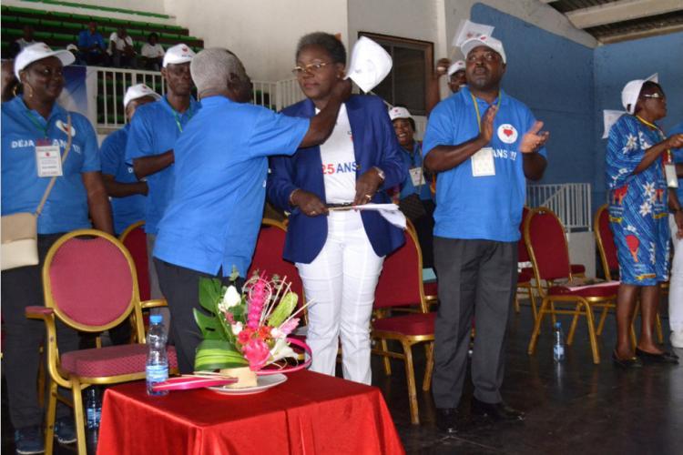 Premier congrès extraordinaire du Cercle des libéraux réformateurs : Nicole Assélé prend les rênes du parti