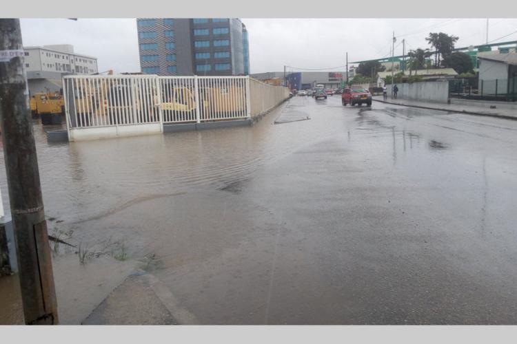 Après la pluie d'hier à Libreville : De nombreuses artères de la capitale inondées