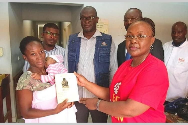 Polio : Des carnets pour prémunir la mère et l'enfant