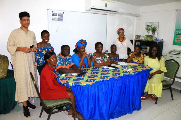 Café littéraire : Quand des lycéens surprennent agréablement Honorine Ngou