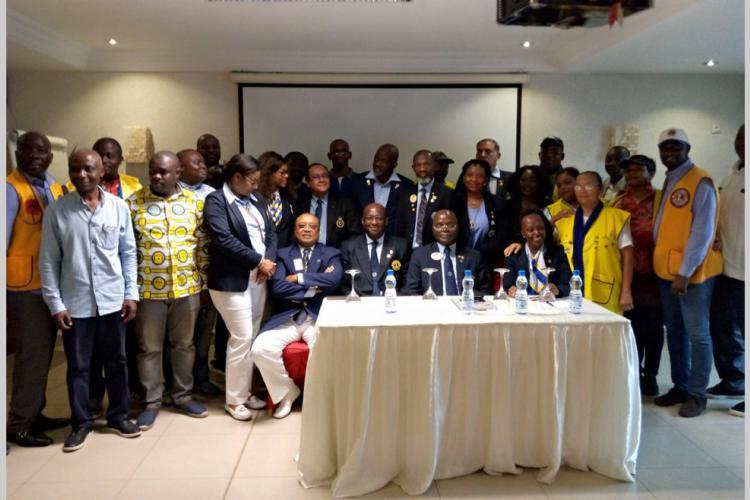 """: """"Le Lions club se porte bien au Gabon"""""""