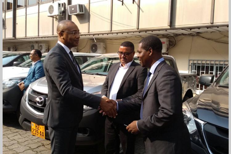 Allocation : Des véhicules pour les directeurs régionaux de santé