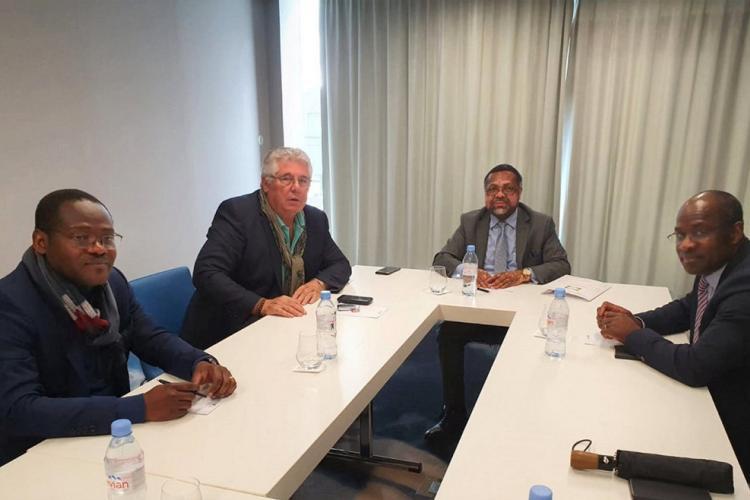 Diplomatie : Flavien Enongoue échange avec l'adjoint au maire de Bordeaux