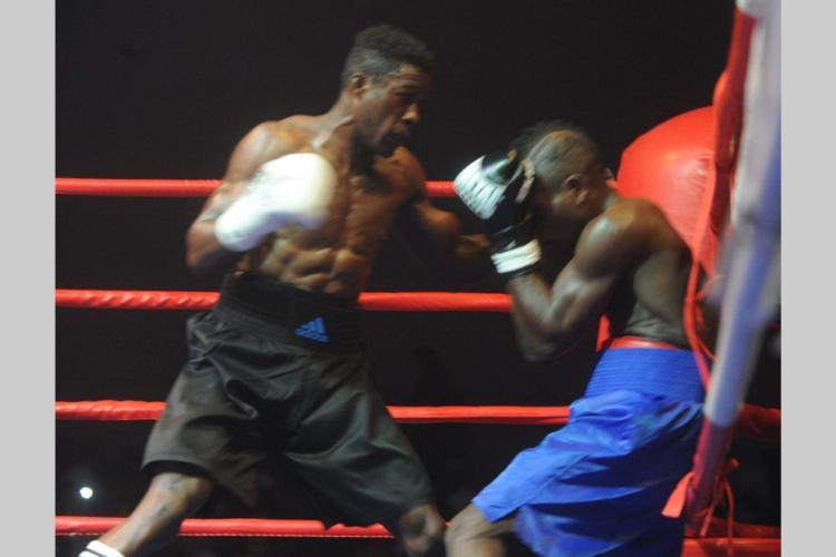 Boxe : Le rêve olympique presque envolé pour Franck Mombey
