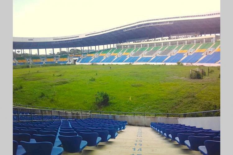 Football : Le stade d'Oyem désormais sous surveillance militaire