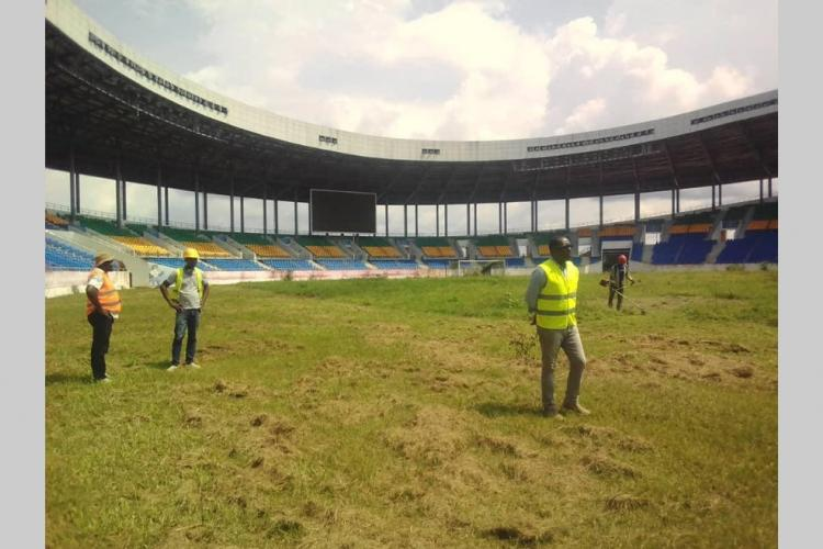 Football : Le stade d'Oyem en chantier