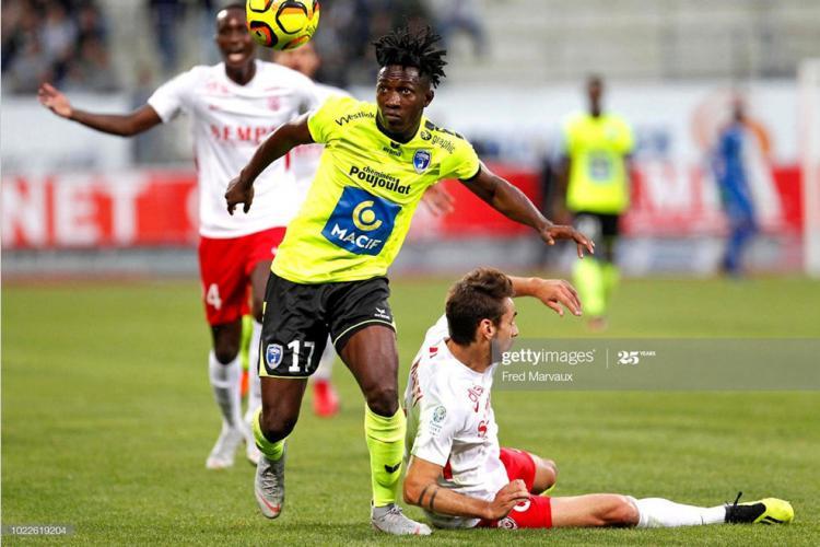 Football : Louis Ameka Autchanga toujours attendu à Niort
