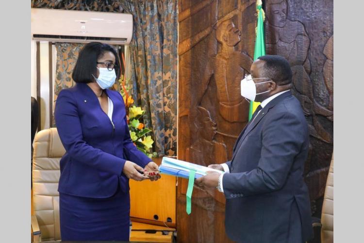 Primature : Ossouka Raponda désormais au fait des dossiers