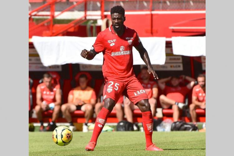 Football : Ecuele Manga capitaine de Dijon