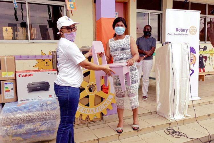 Soutien à l'éducation : du mobilier et du matériel scolaire pour la halte-garderie de Lalala