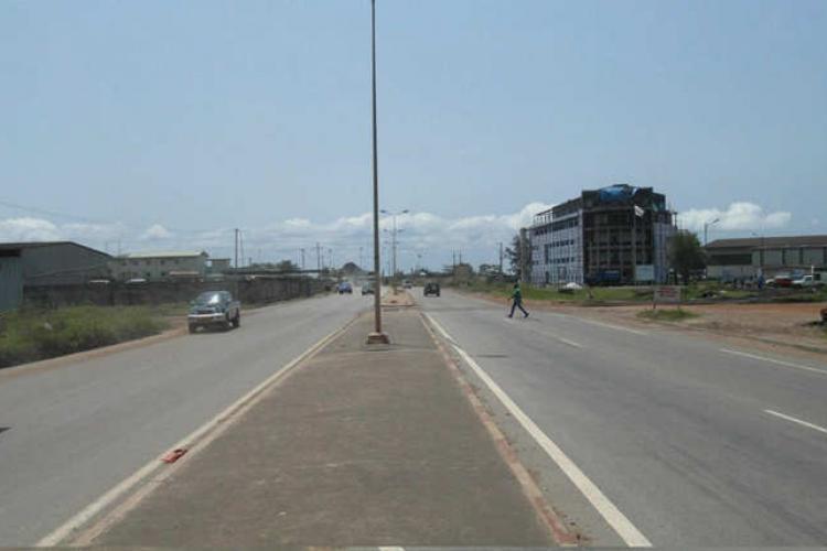 Infrastructures : : Une route va relier Owendo à la Nationale 1