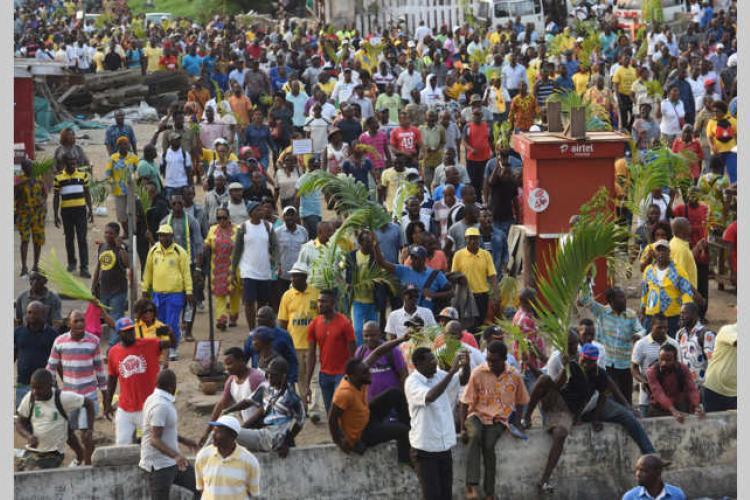"Interview Ali Bongo : ""en finir avec les jérémiades politiques"""