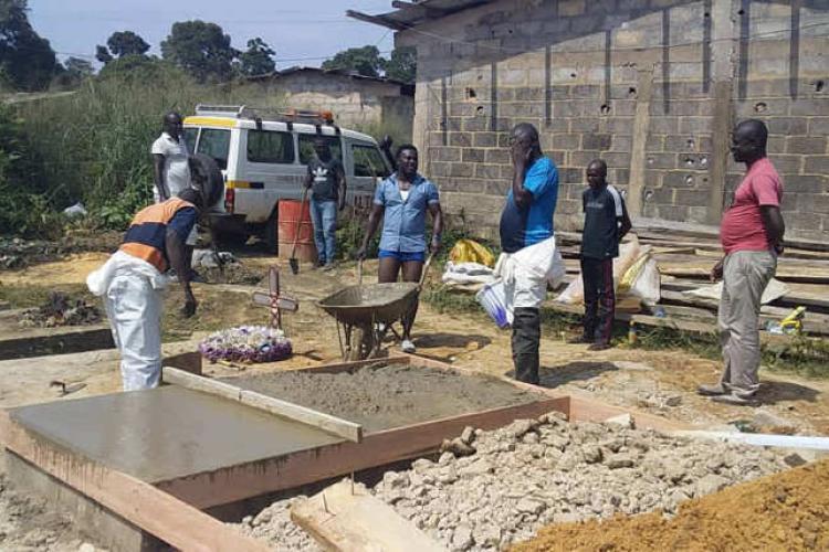 Franceville : un corps enterré par erreur puis exhumé à Yéné