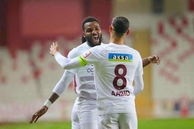 Mercato : Fenerbahçe et Galatasaray à la lutte pour Aaron Boupendza