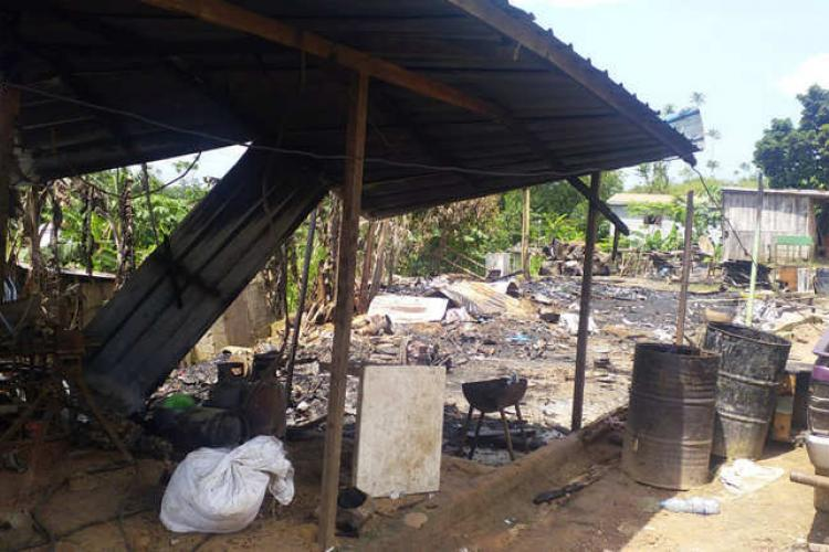 Ntoum : quatre commerces partent en fumée au PK18