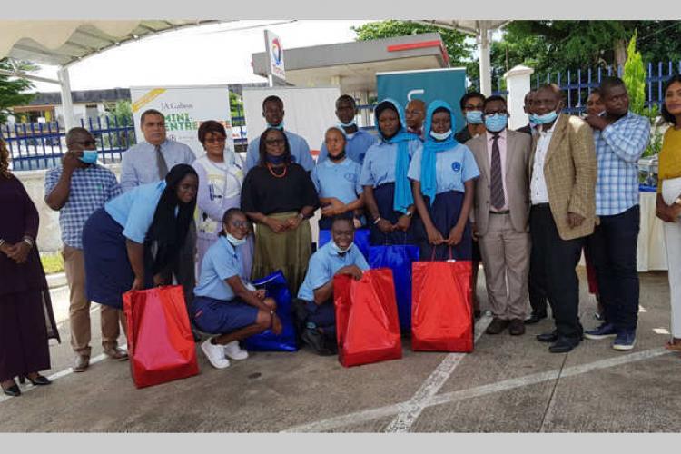 Programme ''Mini-Entreprises'' JA et Citi Gabon : cours Ambourouet double lauréat