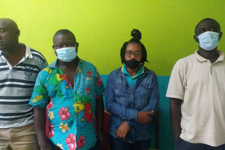 Covid-19 : : Quatre trafiquants présumés de carnets de vaccination arrêtés
